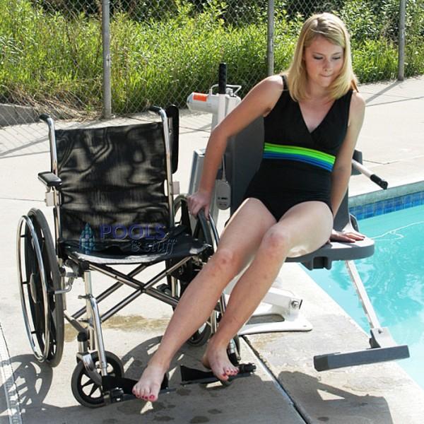 ADA Compliant Pro Pool™ Lift